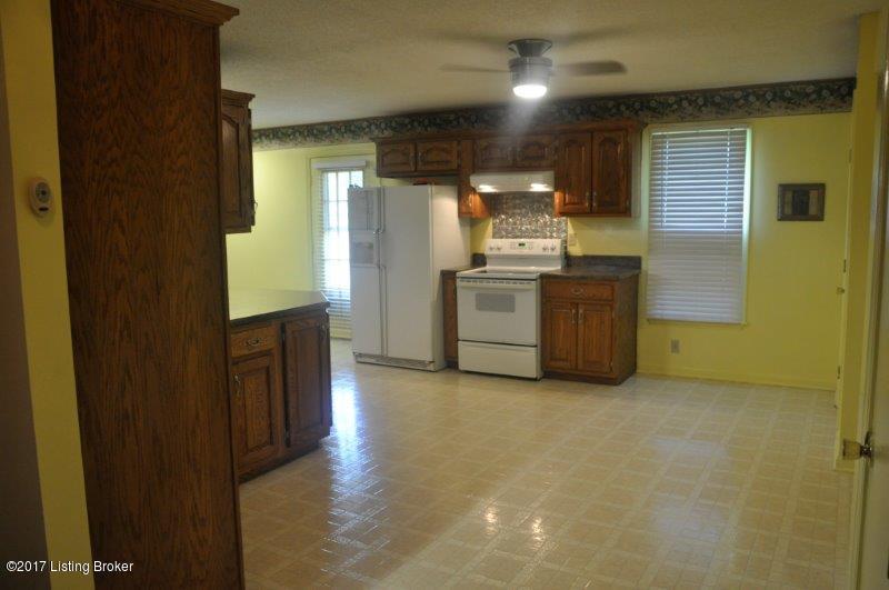 Additional photo for property listing at 2270 Stringer Lane  Mount Washington, Kentucky 40047 United States