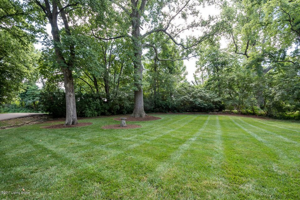 Additional photo for property listing at 290 Penruth Avenue  Louisville, Kentucky 40207 United States