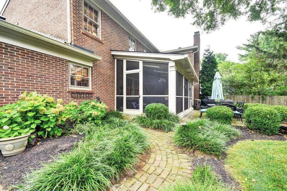 Additional photo for property listing at 2904 Glen Hill Court  Louisville, Kentucky 40222 United States