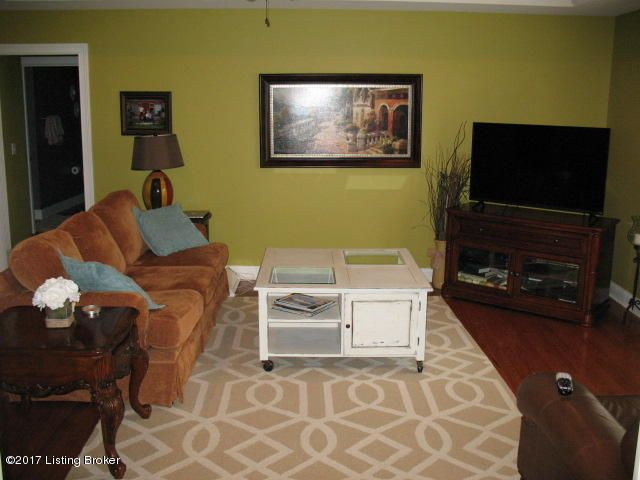 Additional photo for property listing at 1018 Mallards Cove  Bardstown, Kentucky 40004 United States
