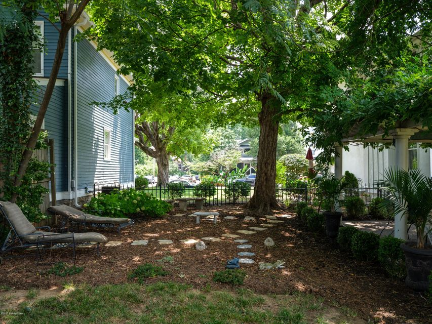 Additional photo for property listing at 1633 Rosewood Avenue  Louisville, Kentucky 40204 United States