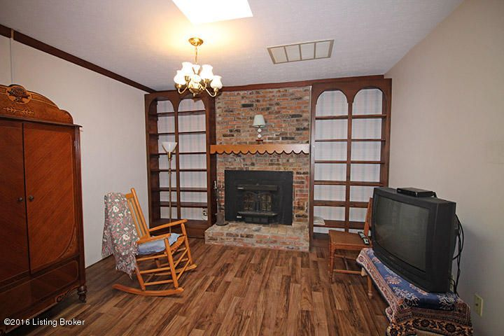 Additional photo for property listing at 2347 Waterford Road  Mount Washington, Kentucky 40047 United States