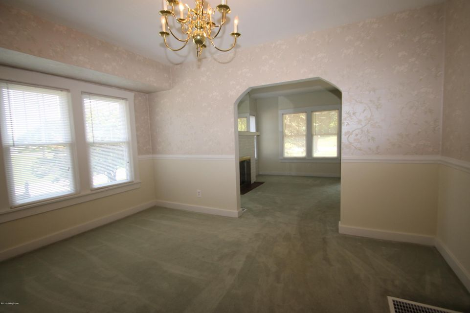 Additional photo for property listing at 200 Gilliland Road  Louisville, Kentucky 40245 United States