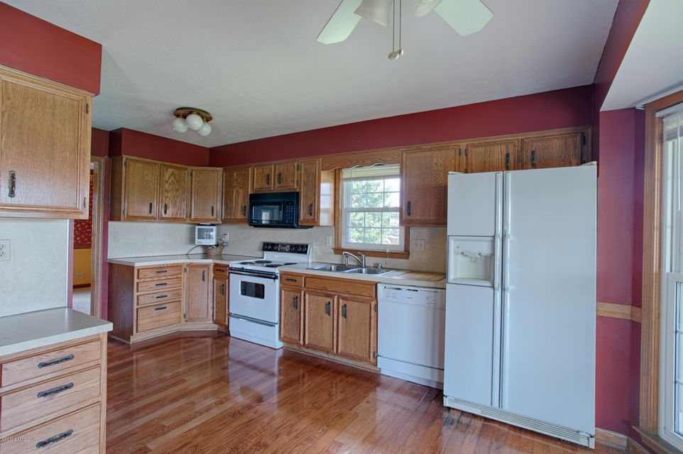 Additional photo for property listing at 4700 Chelsea Court  Crestwood, Kentucky 40014 United States