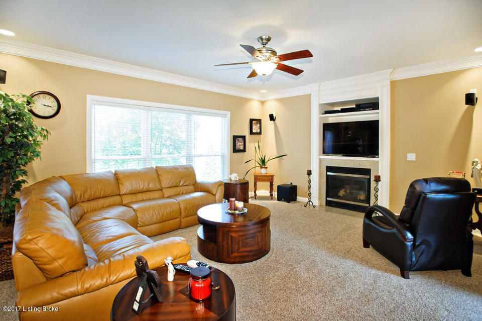 Additional photo for property listing at 10637 Dry Creek Way  Louisville, Kentucky 40299 United States