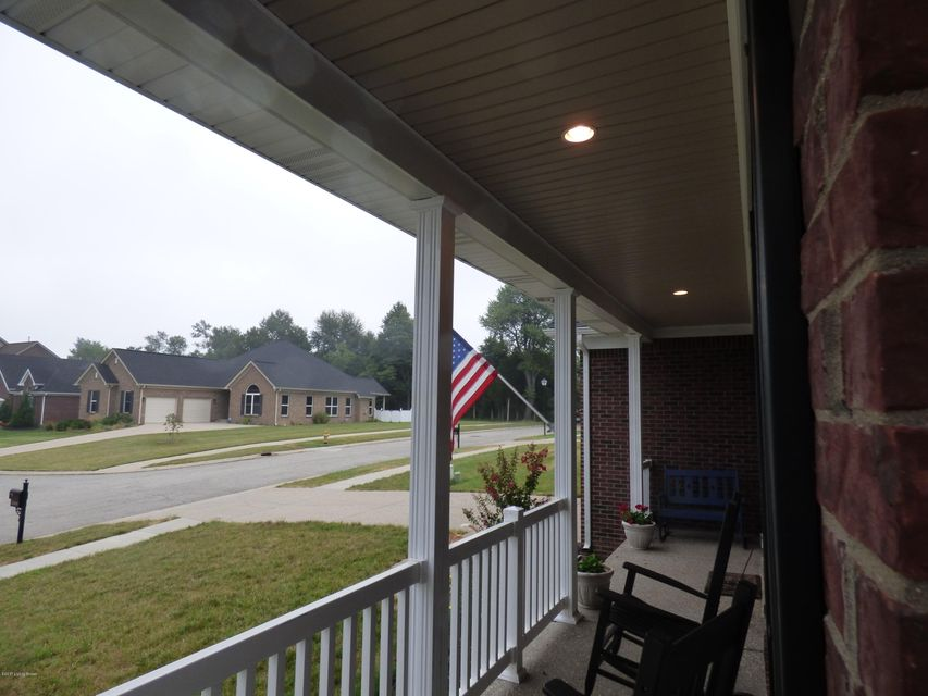 Additional photo for property listing at 11508 Willow Branch Drive  Louisville, Kentucky 40291 United States