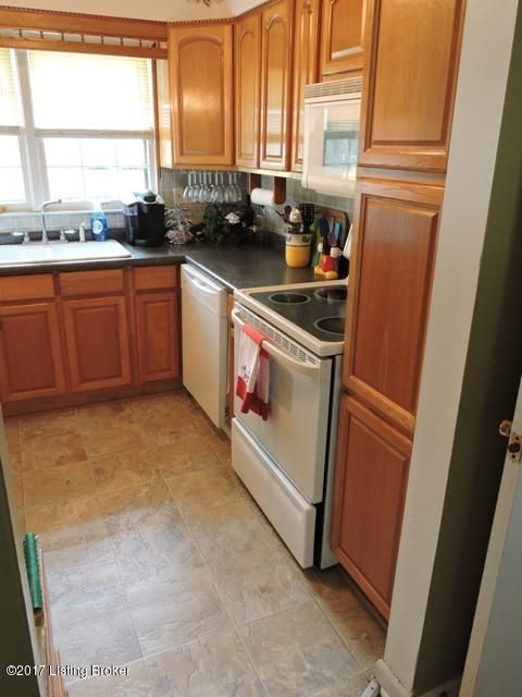 Additional photo for property listing at 6210 Richiewayne Drive  Louisville, Kentucky 40219 United States