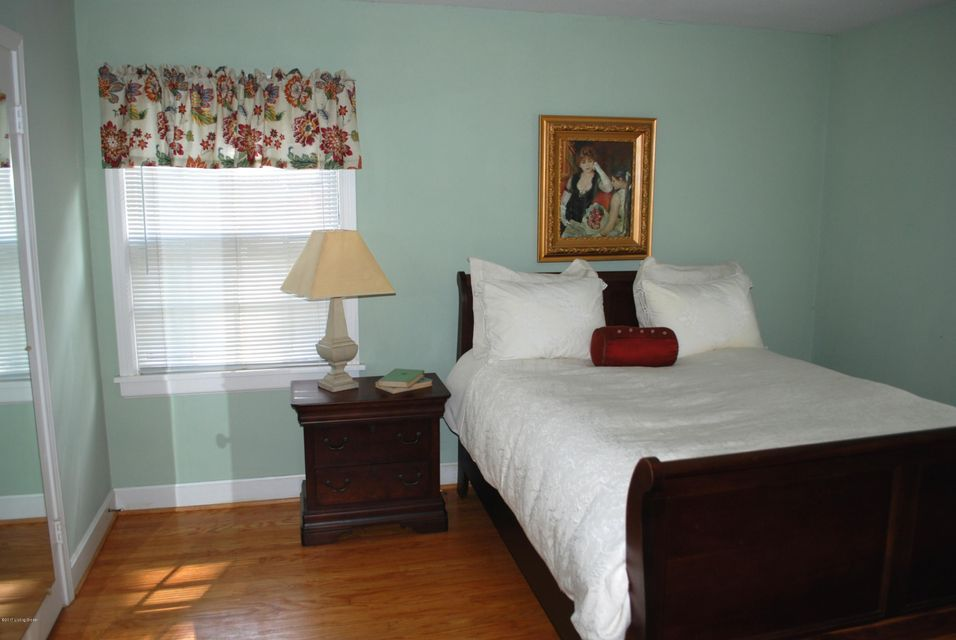 Additional photo for property listing at 4013 Leland Road  Louisville, Kentucky 40207 United States