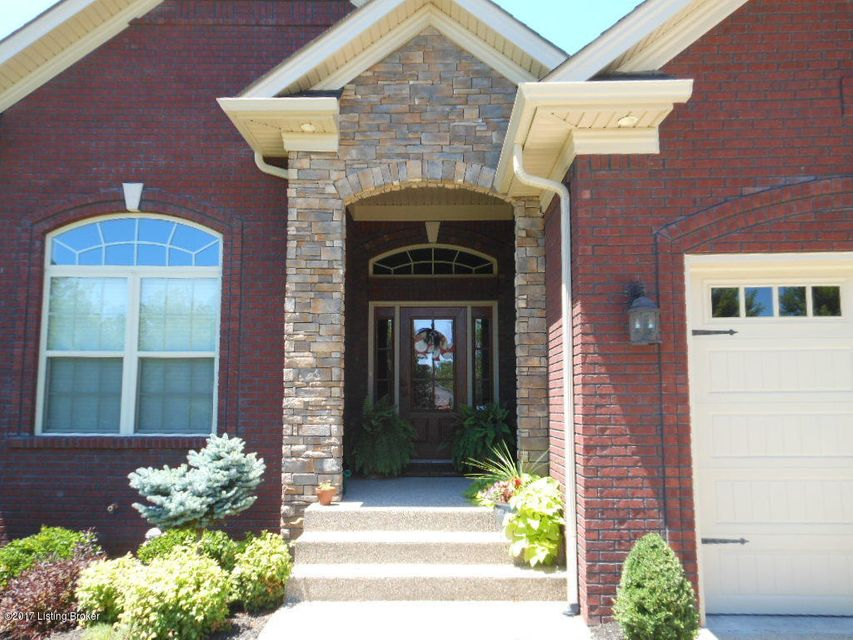 Additional photo for property listing at 7916 Chism Trail Way  Louisville, Kentucky 40291 United States