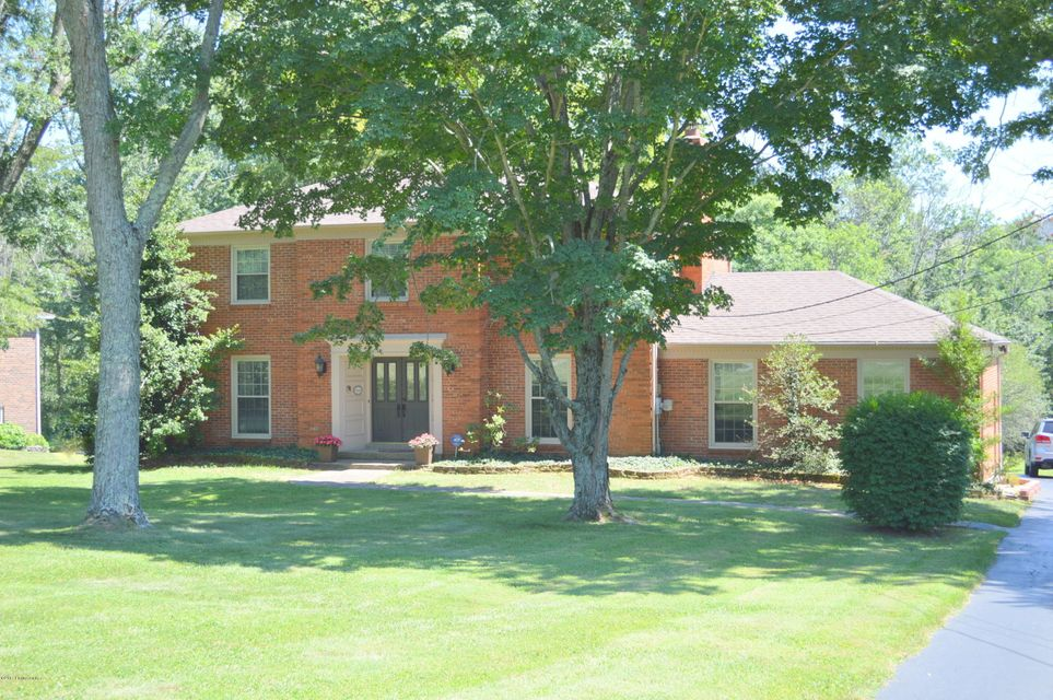 Single Family Home for Sale at 6708 Shelburn Drive Crestwood, Kentucky 40014 United States