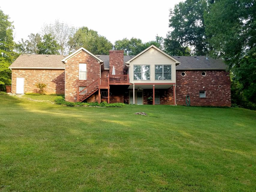 Additional photo for property listing at 474 Woodland Hills Trail 474 Woodland Hills Trail Taylorsville, Kentucky 40071 United States