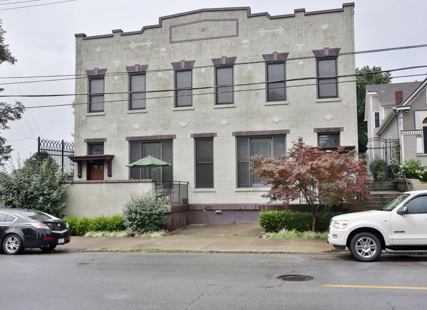 Additional photo for property listing at 1110 Baxter Avenue  Louisville, Kentucky 40204 United States