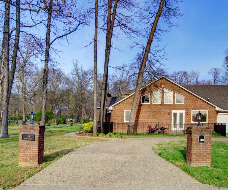 Additional photo for property listing at 119 Norwood Drive  Louisville, Kentucky 40222 United States