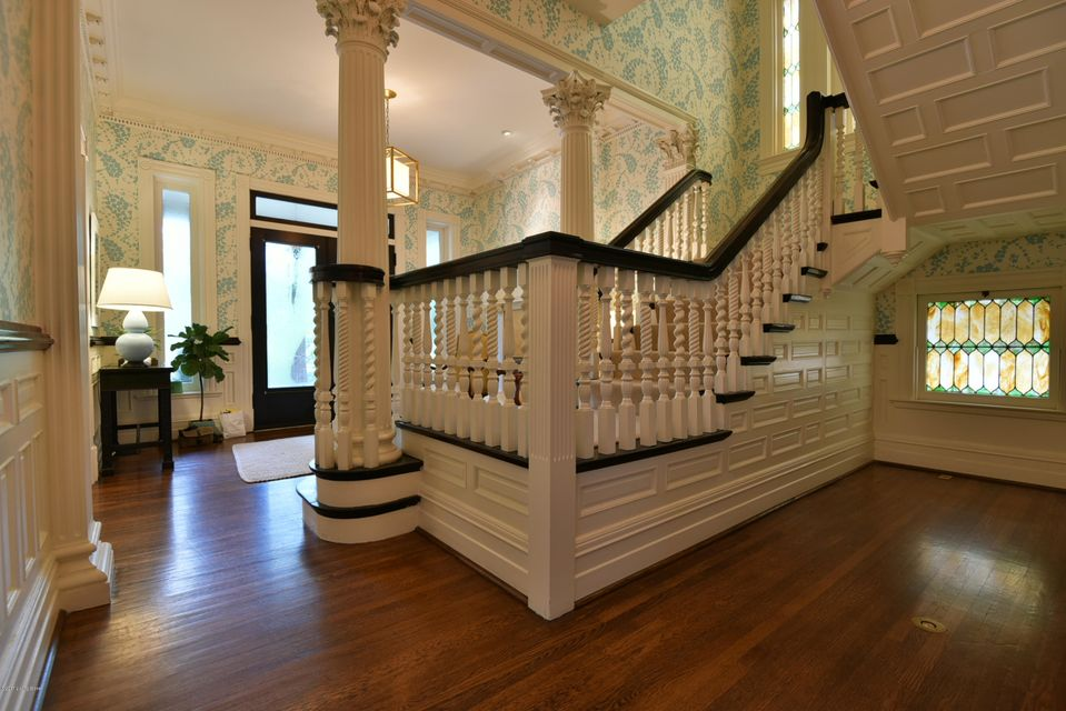 Additional photo for property listing at 1261 Cherokee Road  Louisville, Kentucky 40204 United States