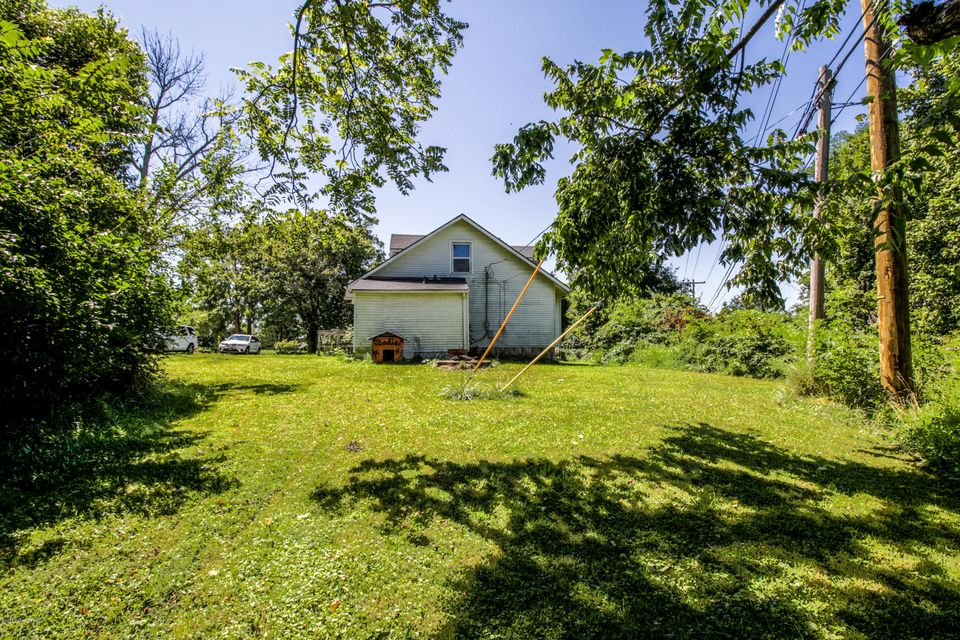 Additional photo for property listing at 810 Gilliland Road  Louisville, Kentucky 40245 United States