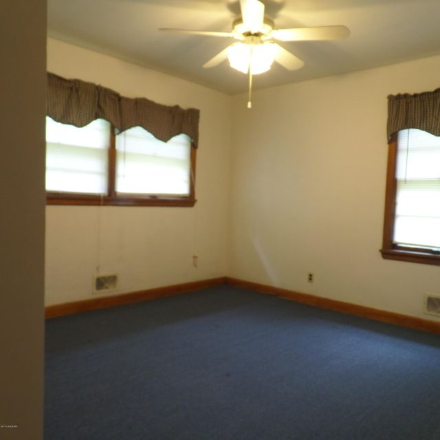 Additional photo for property listing at 27 Welby Road 27 Welby Road Louisville, Kentucky 40216 United States