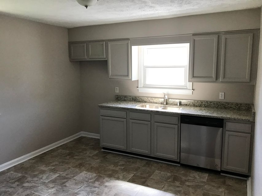 Additional photo for property listing at 4207 Lees Lane  Louisville, Kentucky 40216 United States