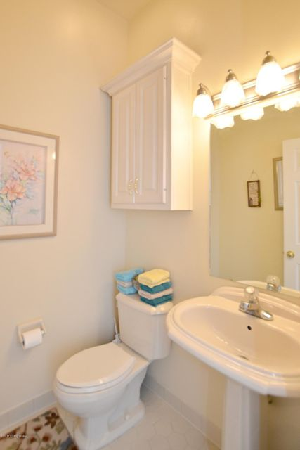 Additional photo for property listing at 132 Cedar Point Drive 132 Cedar Point Drive Mount Washington, Kentucky 40047 United States