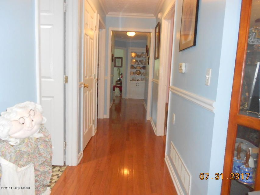 Additional photo for property listing at 240 Dee Head Road  New Haven, Kentucky 40051 United States