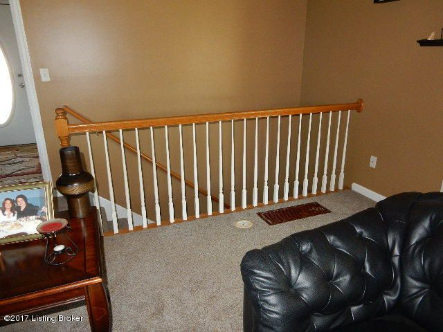 Additional photo for property listing at 376 Jade Drive 376 Jade Drive Shepherdsville, Kentucky 40165 United States