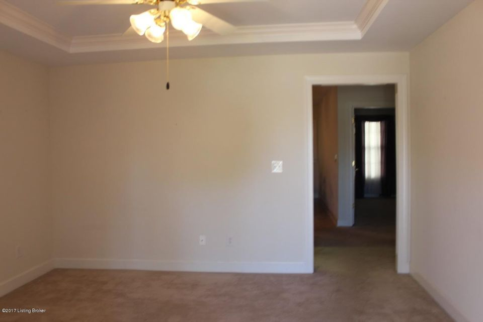 Additional photo for property listing at 8316 Delta Circle  Louisville, Kentucky 40228 United States