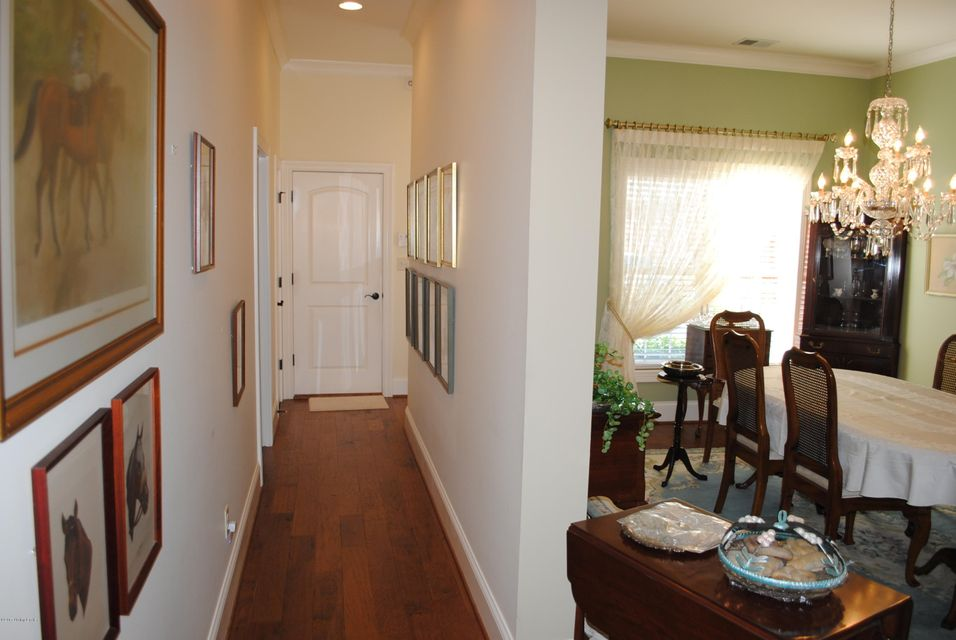 Additional photo for property listing at 327 Barcelona Drive  Louisville, Kentucky 40245 United States