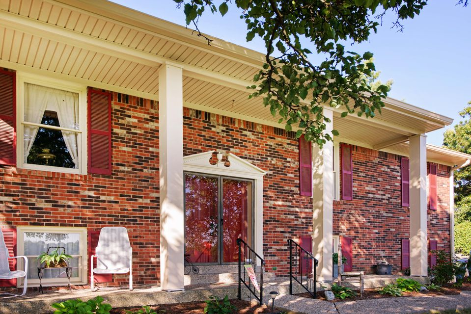 Additional photo for property listing at 3000 Windsor Lakes Pkwy  Louisville, Kentucky 40214 United States