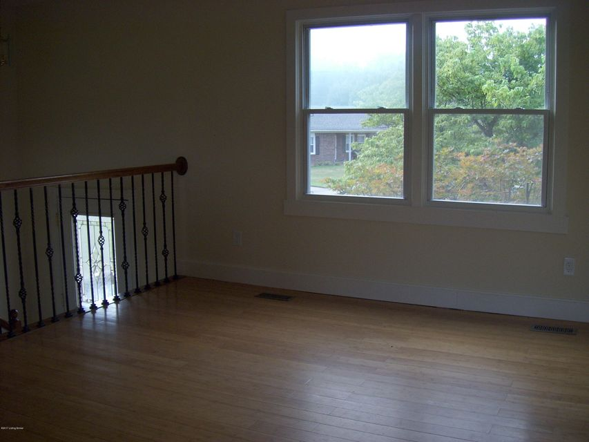 Additional photo for property listing at 7205 Kosene Court  Louisville, Kentucky 40258 United States