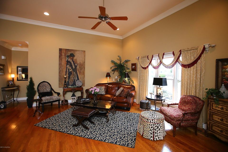 Additional photo for property listing at 301 Lanai Court 301 Lanai Court Louisville, Kentucky 40245 United States