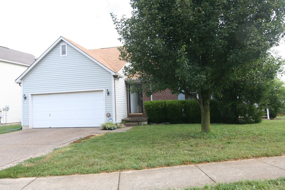 Single Family Home for Sale at 7408 Spring Run Drive 7408 Spring Run Drive Louisville, Kentucky 40291 United States