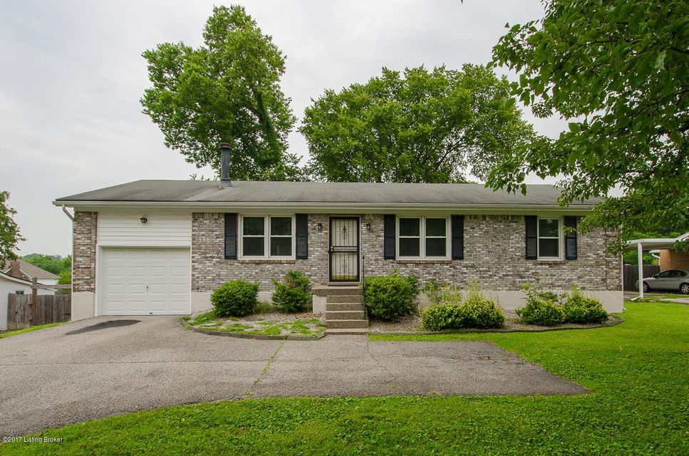 Additional photo for property listing at 1607 Ormsby Lane  Lyndon, Kentucky 40222 United States