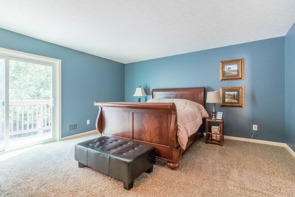 Additional photo for property listing at 705 Lake Forest Pkwy  Louisville, Kentucky 40245 United States