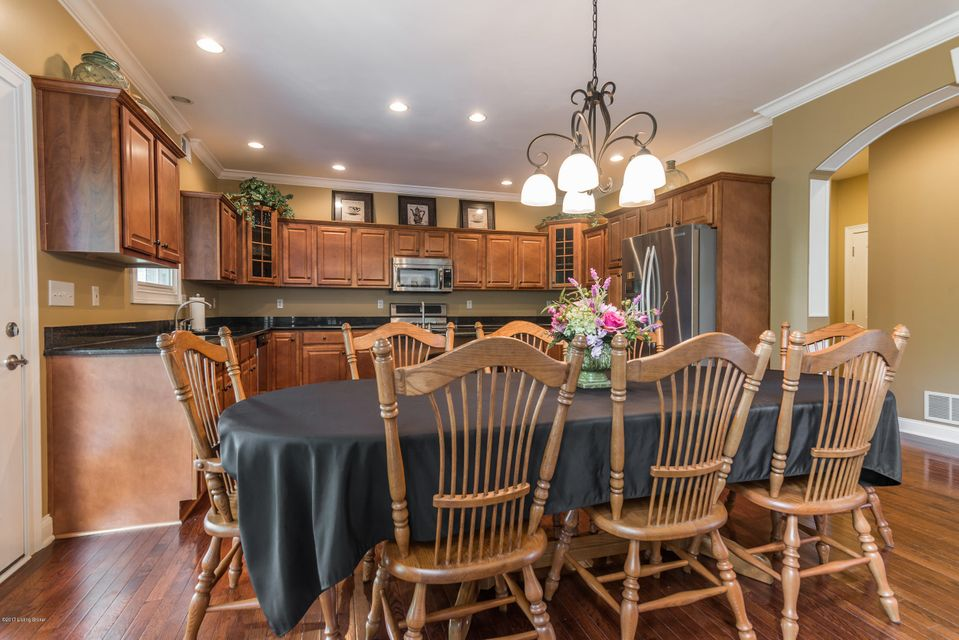Additional photo for property listing at 112 Gaither Woods Court  Shepherdsville, Kentucky 40165 United States