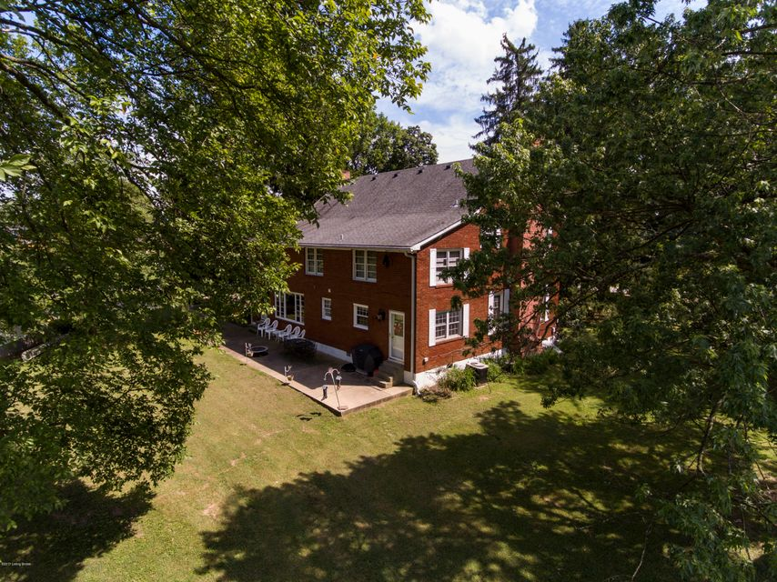 Additional photo for property listing at 243 Kool Springs Drive 243 Kool Springs Drive Shepherdsville, Kentucky 40165 United States