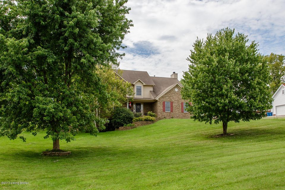 Additional photo for property listing at 4205 Winding Creek Road 4205 Winding Creek Road Crestwood, Kentucky 40014 United States