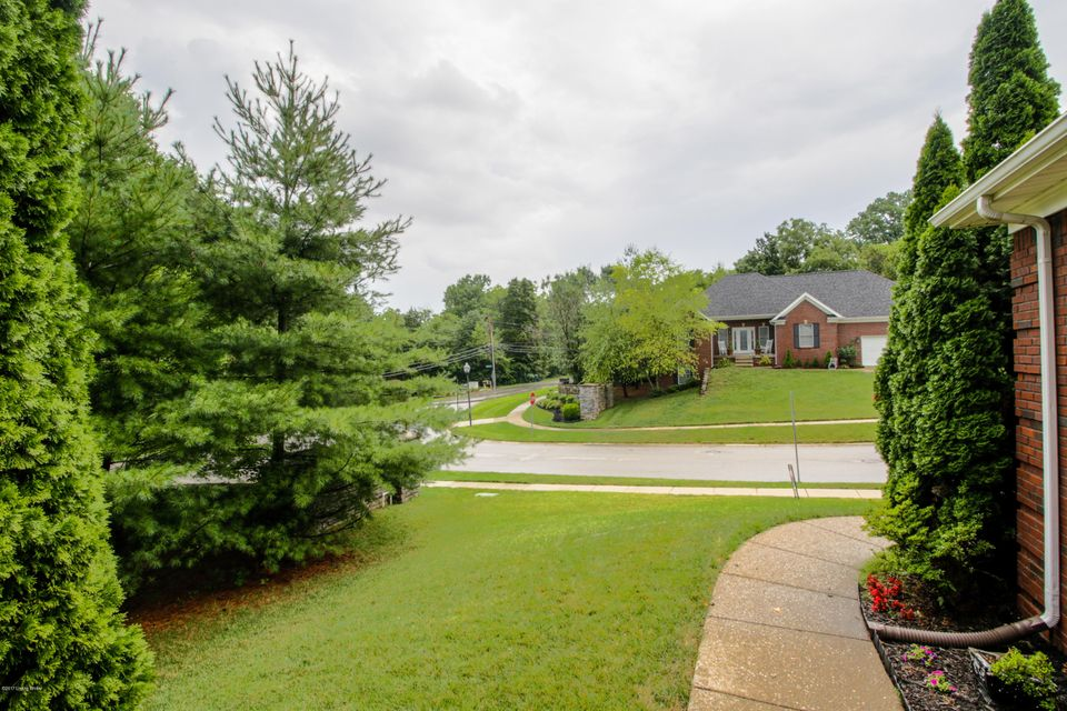 Additional photo for property listing at 6500 Keeling Placeace Place  Louisville, Kentucky 40291 United States