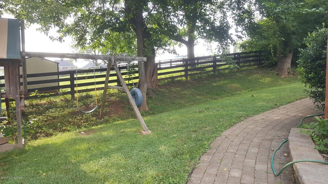 Additional photo for property listing at 4204 Brook Farm Place  Louisville, Kentucky 40299 United States