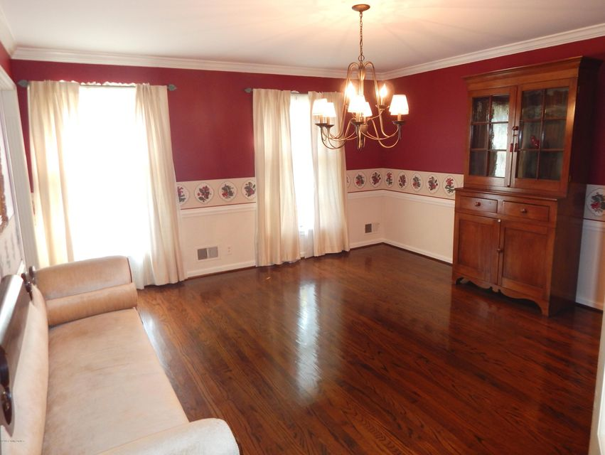 Additional photo for property listing at 708 Cadogan Court  Louisville, Kentucky 40222 United States