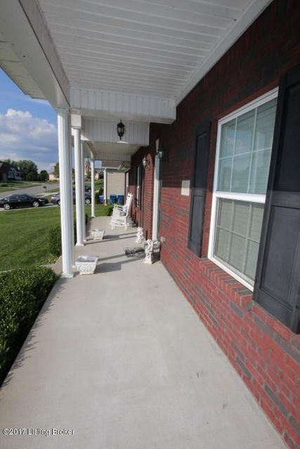Additional photo for property listing at 1043 Harbour Lane 1043 Harbour Lane Lawrenceburg, Kentucky 40342 United States