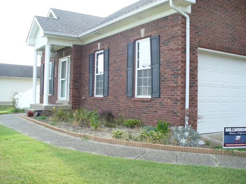 Additional photo for property listing at 5500 Wilke Farm Avenue 5500 Wilke Farm Avenue Louisville, Kentucky 40216 United States