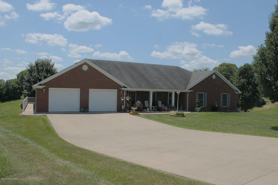 Single Family Home for Sale at 1233 Fairway Drive 1233 Fairway Drive Lawrenceburg, Kentucky 40342 United States