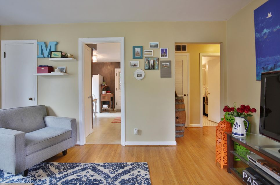 Additional photo for property listing at 4207 Beechcrest Avenue  Louisville, Kentucky 40220 United States