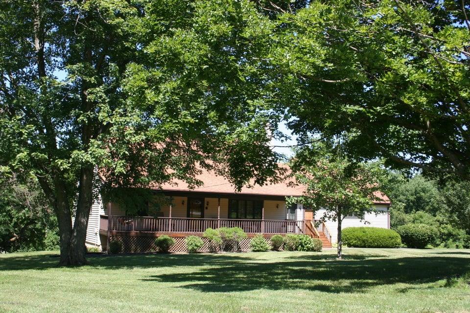 Single Family Home for Sale at 5506 Montfort Lane 5506 Montfort Lane Crestwood, Kentucky 40014 United States