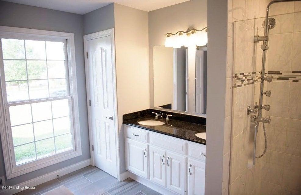 Additional photo for property listing at 306 Blackberry Circle 306 Blackberry Circle Mount Washington, Kentucky 40047 United States