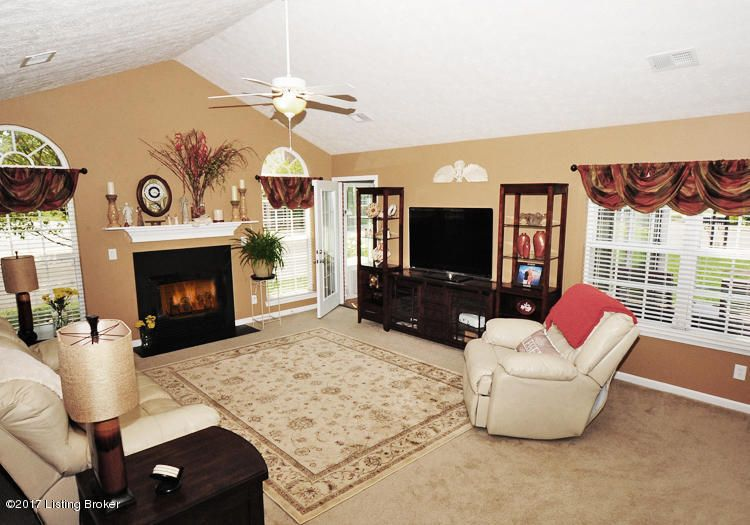 Additional photo for property listing at 5245 Valkyrie Way 5245 Valkyrie Way Louisville, Kentucky 40272 United States