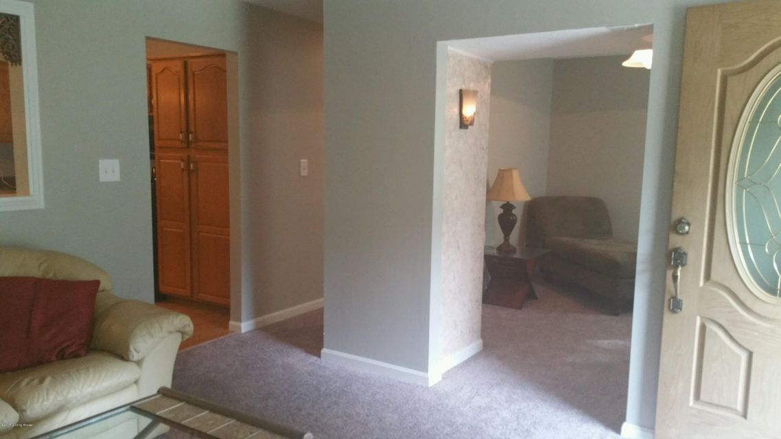 Additional photo for property listing at 5611 Axbridge Road  Louisville, Kentucky 40216 United States