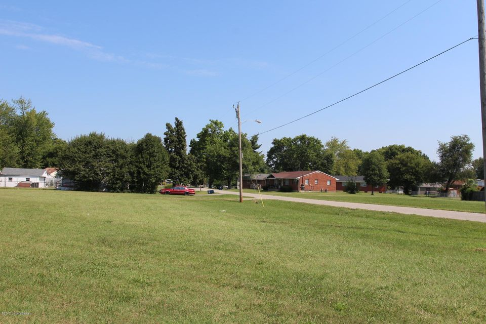 Additional photo for property listing at 3001 Crums 3001 Crums Louisville, Kentucky 40216 United States
