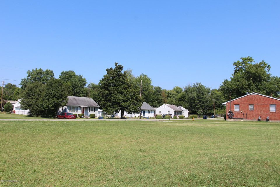 Additional photo for property listing at 3001 Crums  Louisville, Kentucky 40216 United States