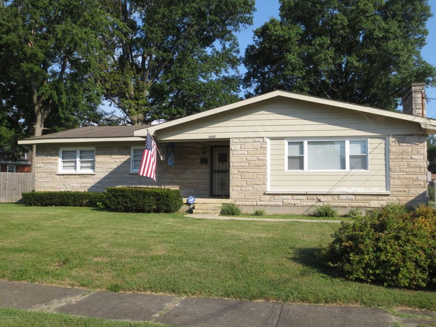 Single Family Home for Sale at 5605 Spicewood Lane Louisville, Kentucky 40219 United States