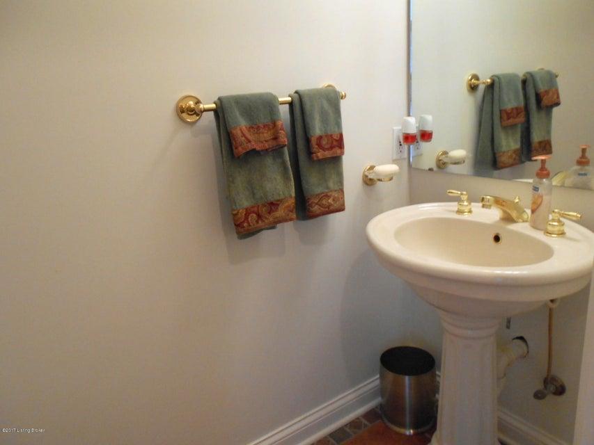 Additional photo for property listing at 209 Oak Wood Lane 209 Oak Wood Lane Leitchfield, Kentucky 42754 United States
